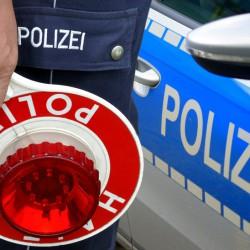Polizeikelle Halt Polizei