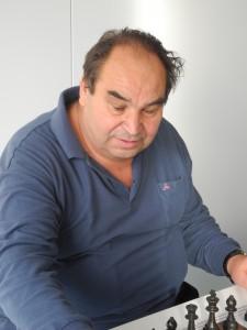 Helmut Pelnar - über 50 Jahre im Warener Schach aktiv - verstarb im Alter von 69 Jahren.