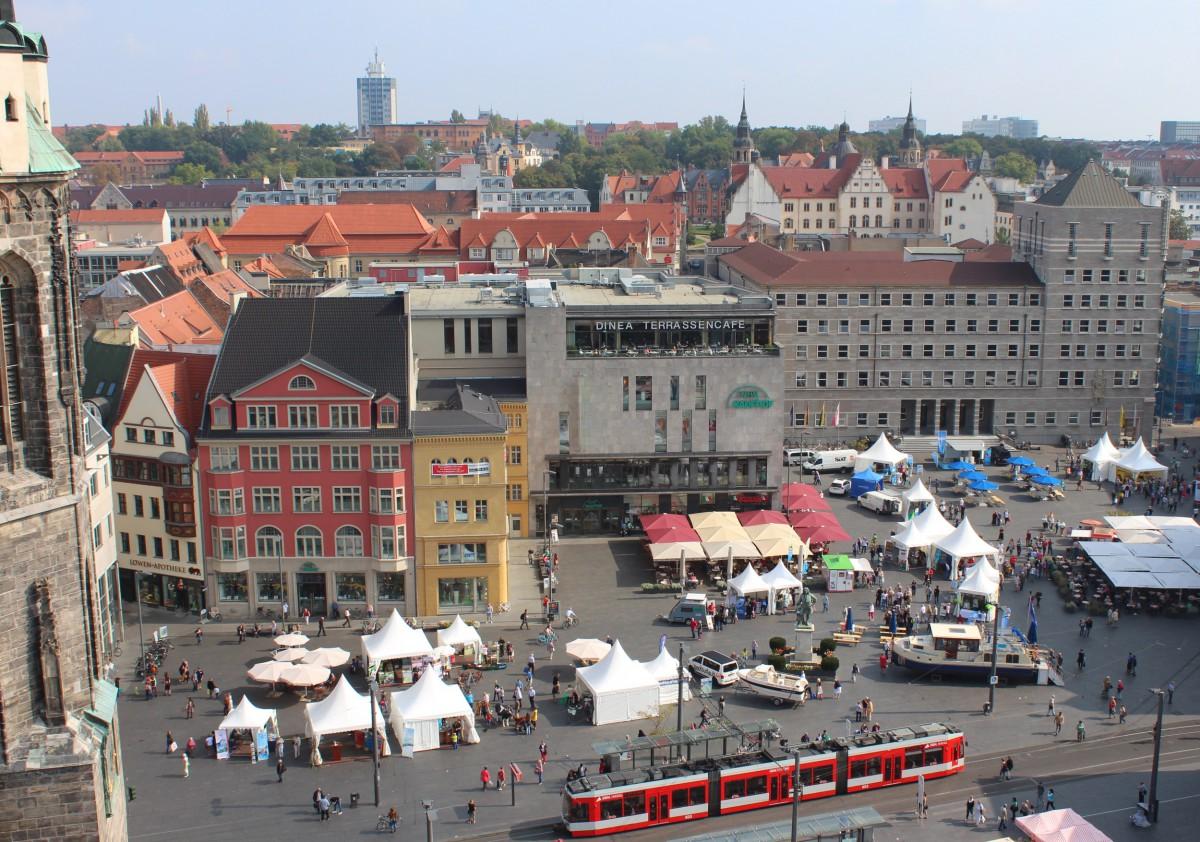 Die Mecklenburgische Seenplatte auf dem Marktplatz von Halle/ Saale