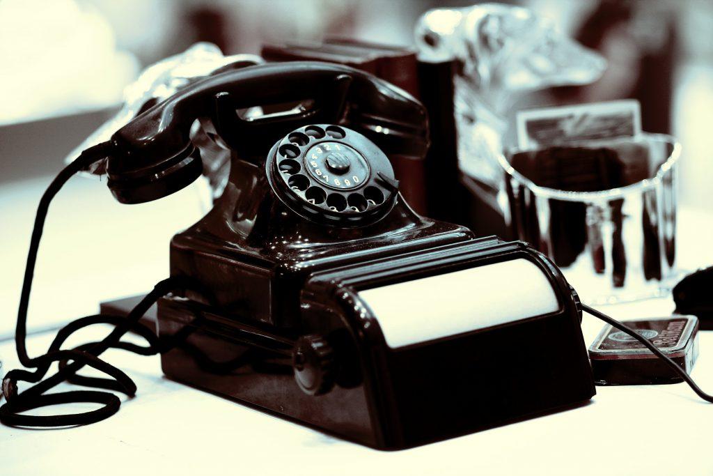 Telefonby_Helene Souza_pixelio.de